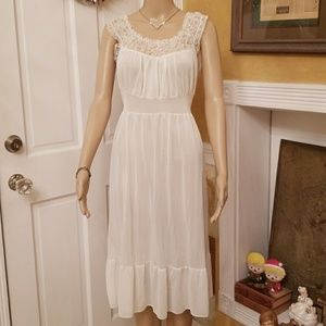 Beautiful 1940's Radcliffe Lingerie Nightgown